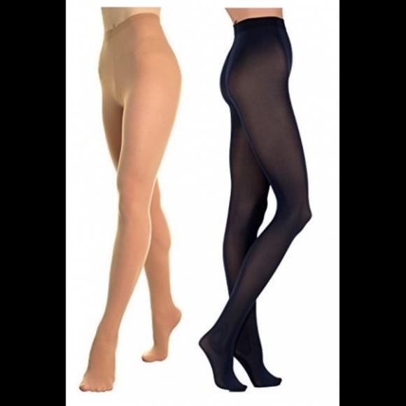 Pantyhose same pair
